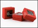 Czerwone pudełko ozdobne na apaszkę