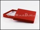 Czerwone pudełka ozdobne na bieliznę, apaszkę