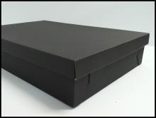 Czarne pudełko na koszule - kaszerowane